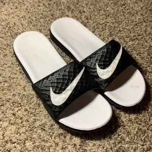 Nike slides size 9 men's